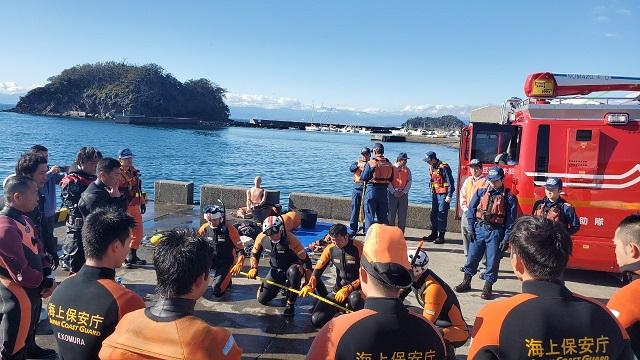 海保・消防との合同訓練を開催しました